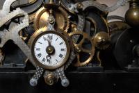 Banktresor mit Uhrenanzeige