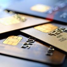 Hohe Sollzinsen bei Kreditkarten trotz niedrigem Leitzins