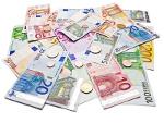 Haufen mit zahlreichen Euronoten