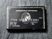 Schwarze Luxuskreditkarte von American Express