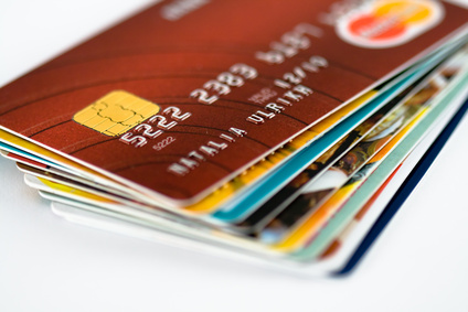 Irreführende Werbung und unzulässige Gebühren bei Kreditkarten